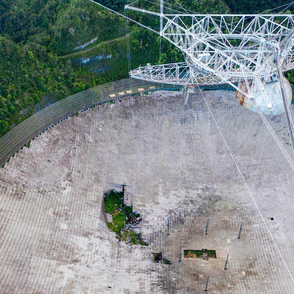Le radiotéléscope d'Arecibo s'est effondré