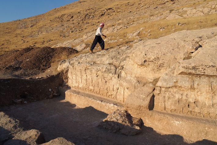 Il y a 2 700 ans environ, le canal procurait de l'eau aux agriculteurs locaux qui ...