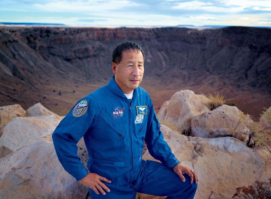METEOR CRATER, ARIZONA - Ed Lu a participé à troi svols spatiaux de la Nasa, entre ...