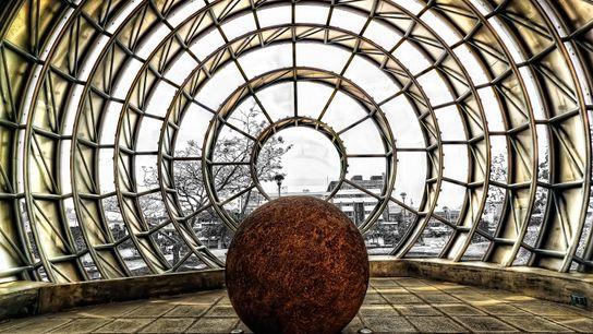 Sphère de pierre exposée au Musée national du Costa Rica.