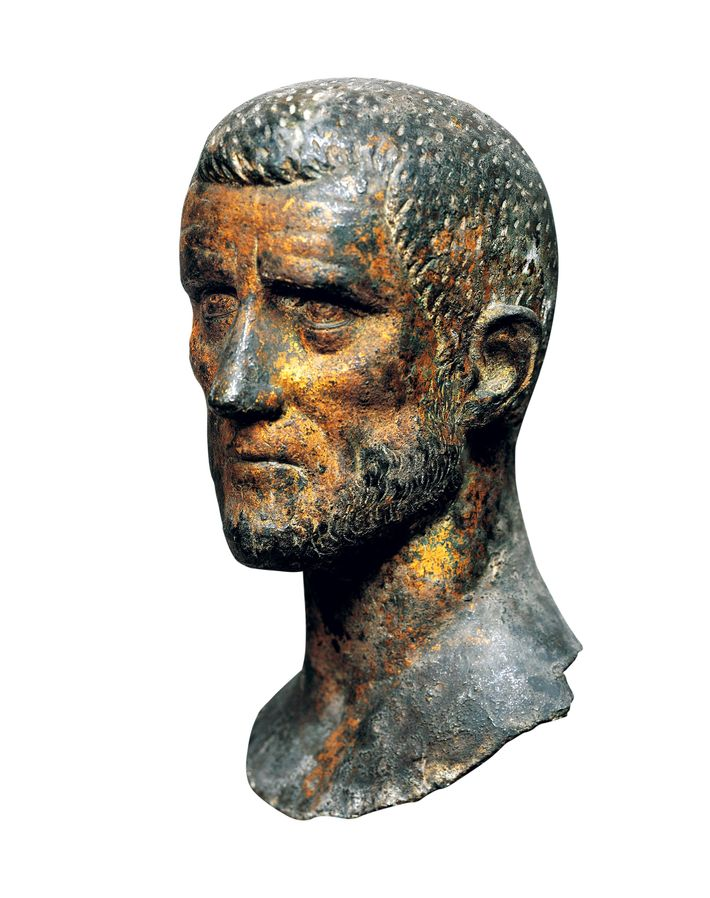 Un buste du IIIe siècle représente l'empereur Aurélien, l'antagoniste principal de Zenobia.
