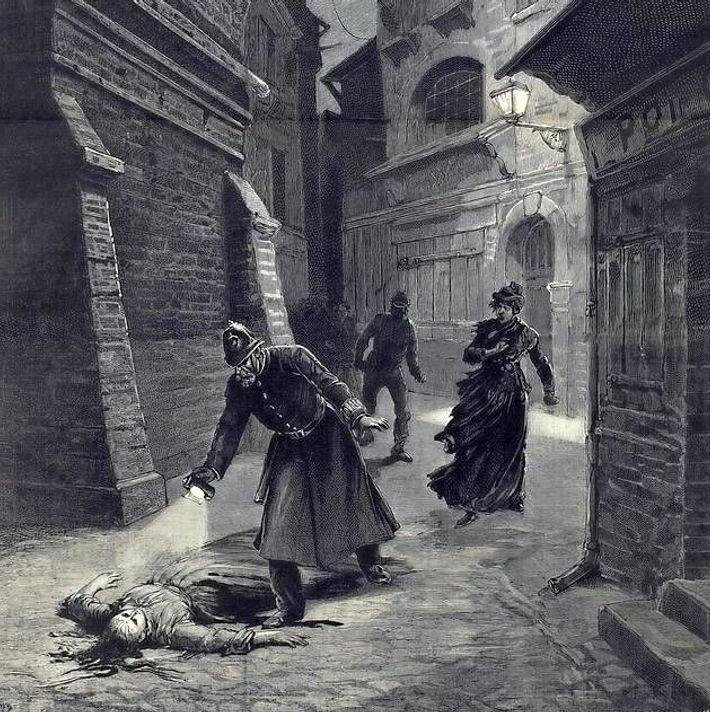 En 1888... une nouvelle victime de Jack l'éventreur est découverte éventrée à Whitechapel.