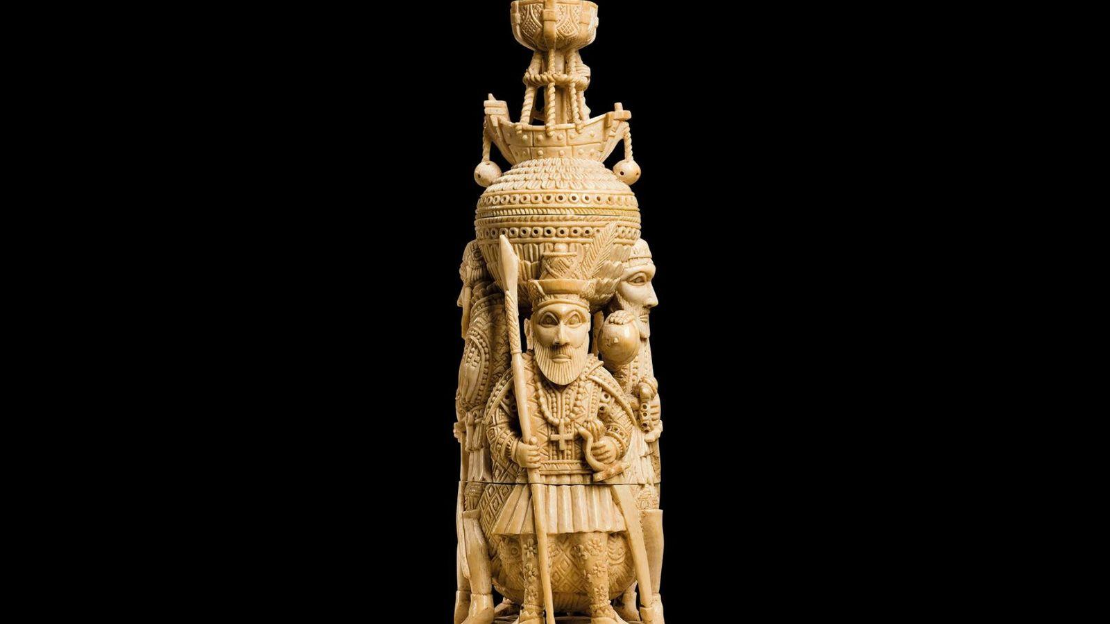 Cette salière en ivoire datant du 16e siècle est l'illustration même des compétences complexes maîtrisées par les ...
