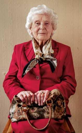 Betty Webb. Renseignement britannique.
