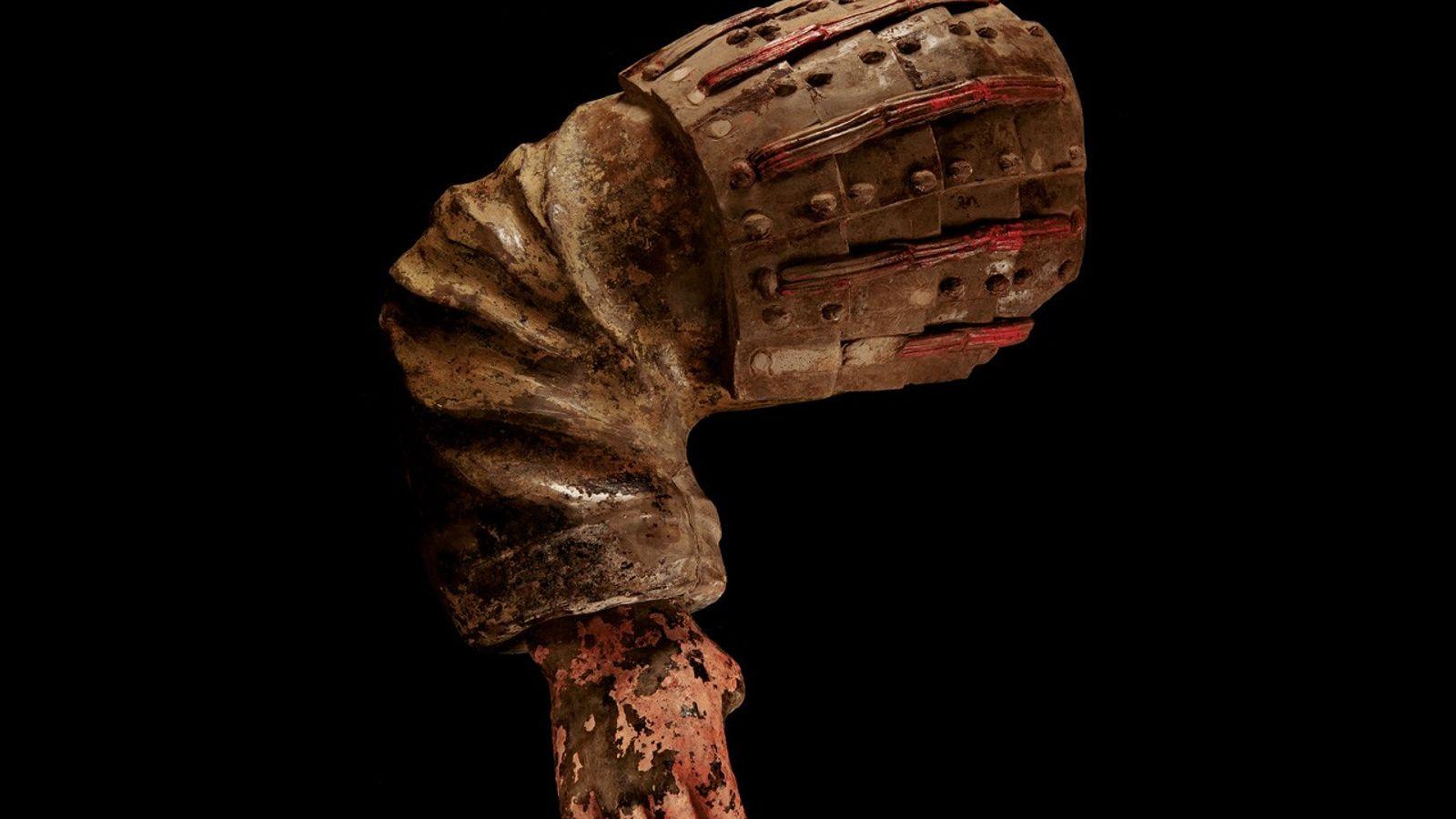 Des bribes de peinture donnent des indications sur les teintes audacieuses qui décoraient l'armée voilà plus ...