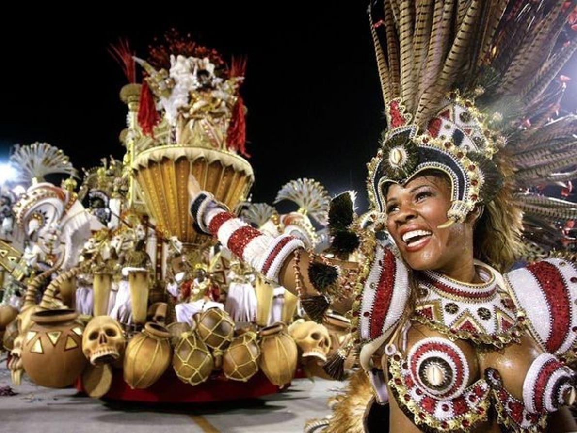 La célébration du carnaval, à Rio de Janeiro