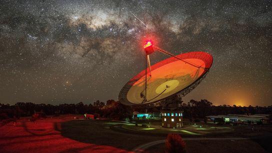 Un signal radio inexpliqué en provenance des environs de Proxima Centauri, l'étoile la plus proche du Soleil, ...