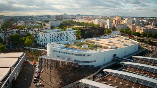 Survol de Nature Urbaine, la plus grande ferme en toiture d'Europe - L'Europe vue du ciel