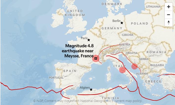 Les cercles rouges indiquent les tremblements de terre enregistrés la semaine du 11 novembre par l'USGS ...