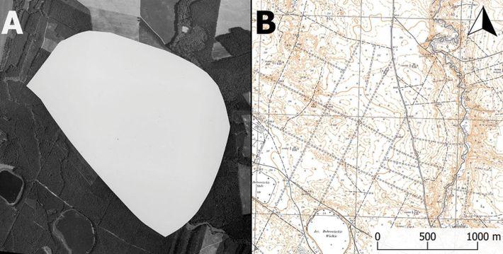 À gauche : photographie aérienne censurée de la base militaire nucléaire de Podborsko  datant de ...