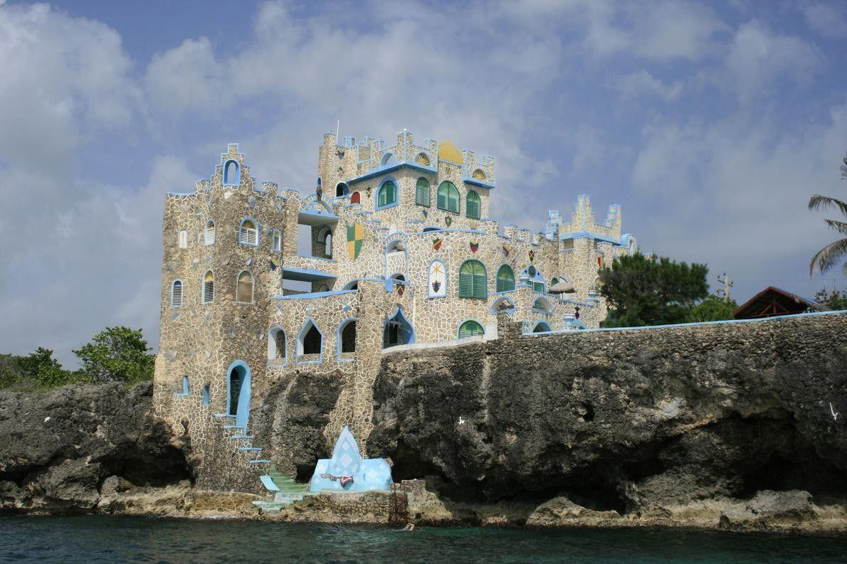 NEGRIL, JAMAÏQUE - Il était une fois... Susan Evanko a entrevu ce château bavarois sur une ...