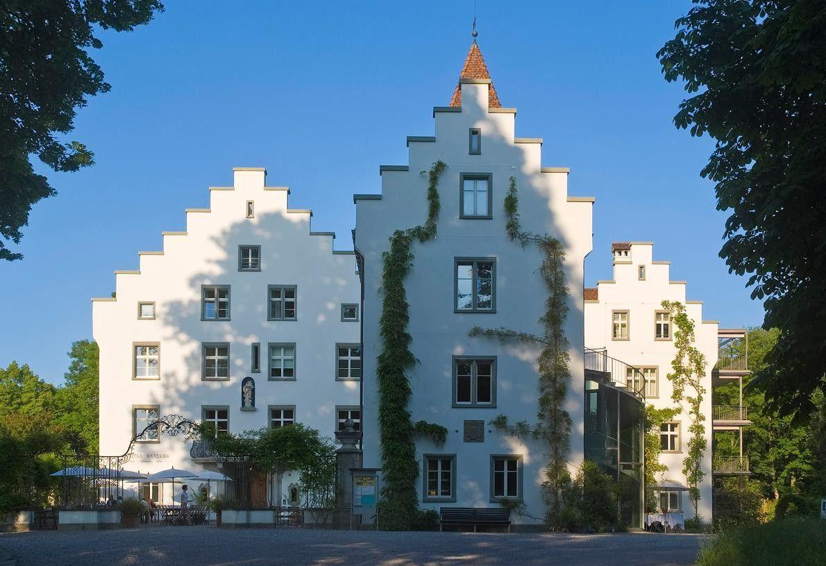 RORSCHACHERBERG, SUISSE - Construit en 1557, le château de Wartegg appartenait autrefois à la dernière impératrice ...