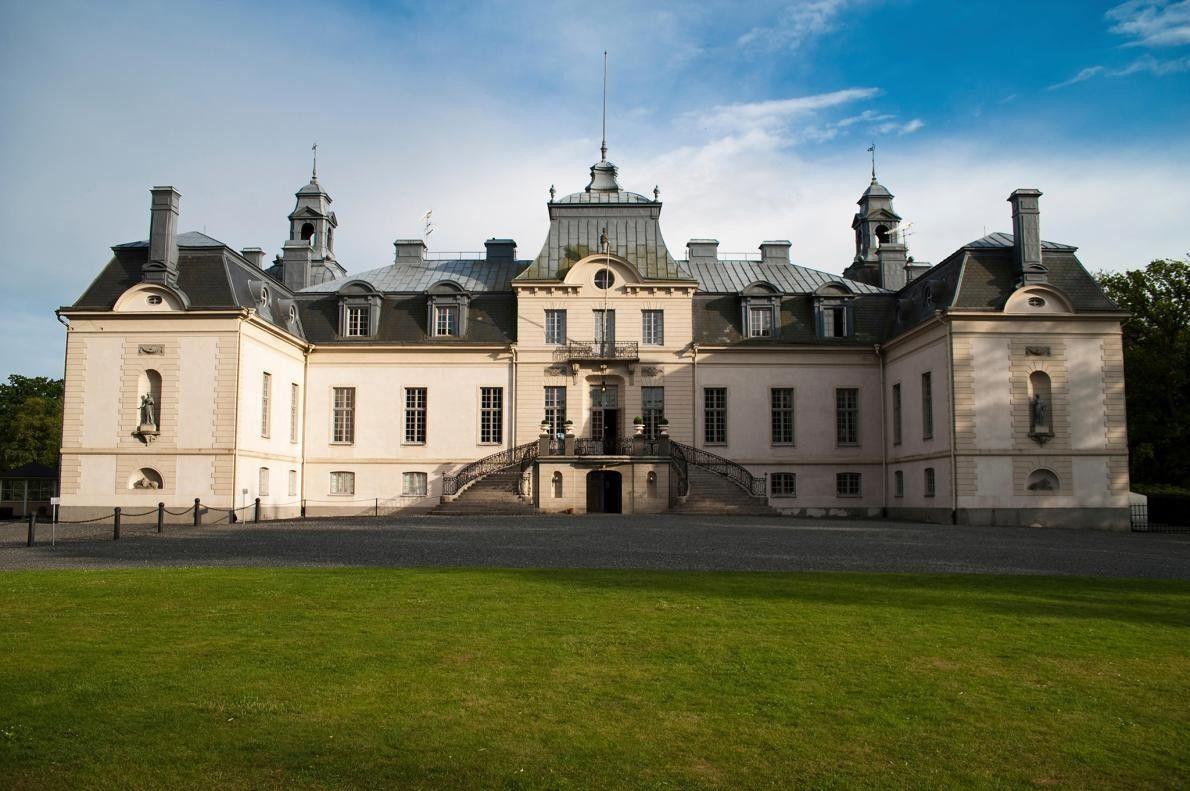 TOMELILLA, SUÈDE - Le Kronovalls Vinslott ou Château Kronovall, une propriété vigneronne-forteresse du 18e siècle a ...