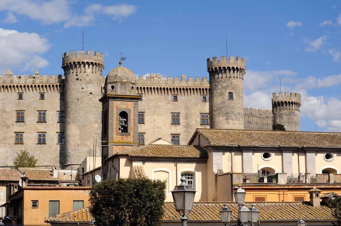 NEROLA, ITALIE - Pour une expérience véritablement authentique, les terrasses avec vue sur la montagne, les ...