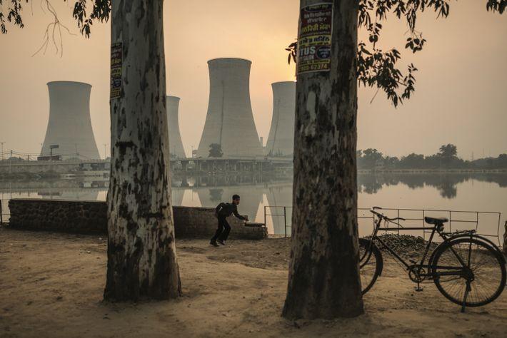 À Bathinda, au Pendjab, la centrale électrique au charbon Guru Nanak Dev a fermé en 2017. En quarante-trois ...