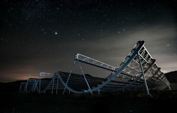 Au Canada, le télescope CHIME était le premier à détecter le sursaut radio le 28 avril 2020.