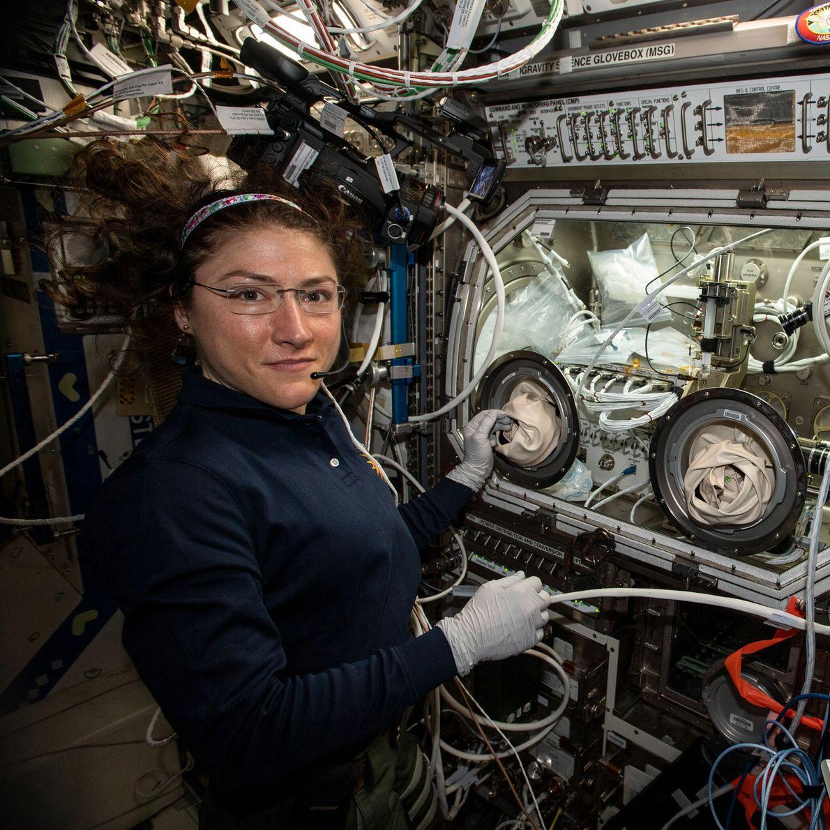Christina Koch - promotion d'astronautes 2013, 328 jours dans l'espace.