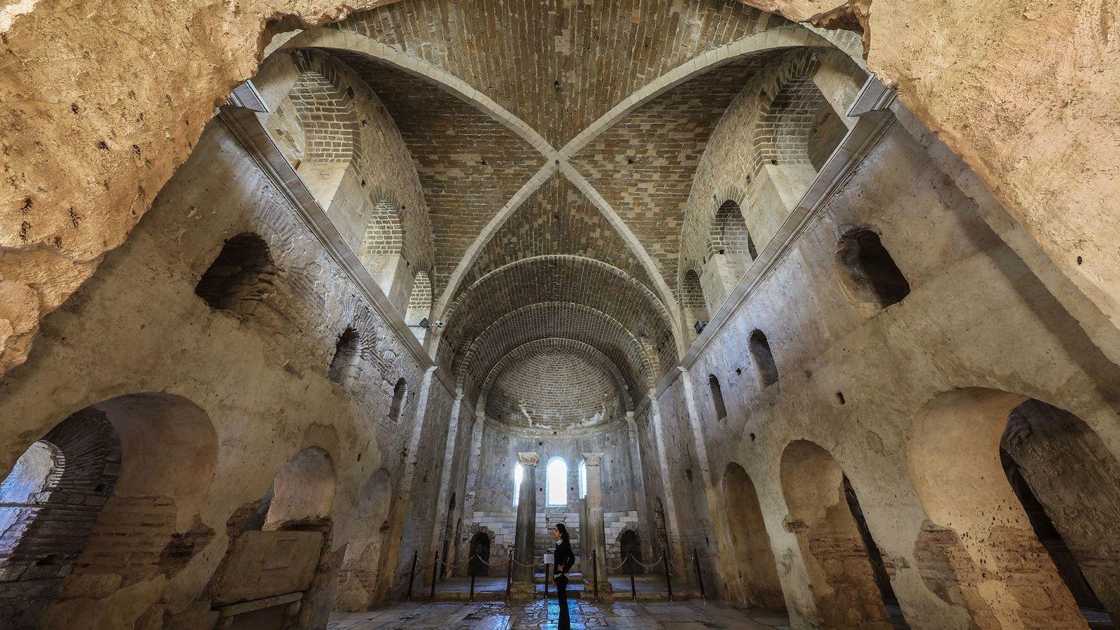 L'intérieur de l'église Saint-Nicolas, située dans la ville antique de Myre, dans la province d'Antalya, en ...