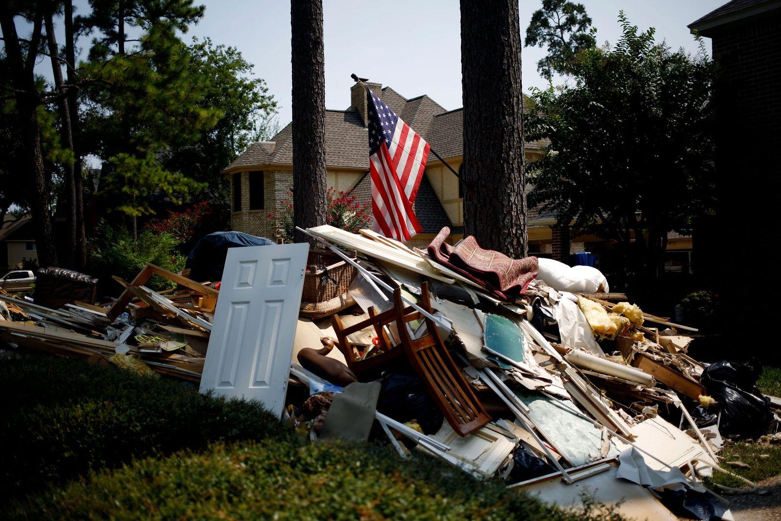 À Spring, au Texas, les décombres d'une maison ravagée rappellent la violence de l'ouragan Harvey. Le ...