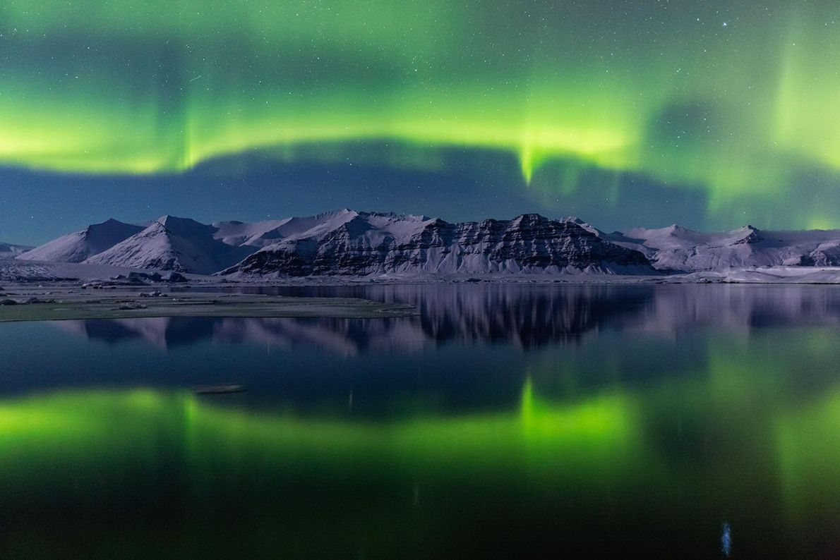 La Jökulsárlón, « lagune du glacier » en islandais, dans le parc national de Vatnajökull, en ...