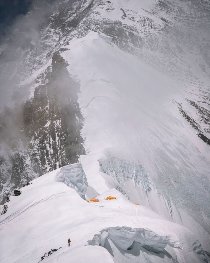 Richards a atteint le sommet par la route standard North Ridge du côté tibétain / chinois ...