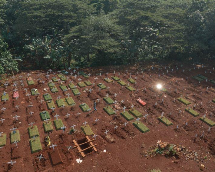 L'Indonésie présente l'un des taux de mortalité liée à la COVID-19 les plus élevés d'Asie. Dans ...