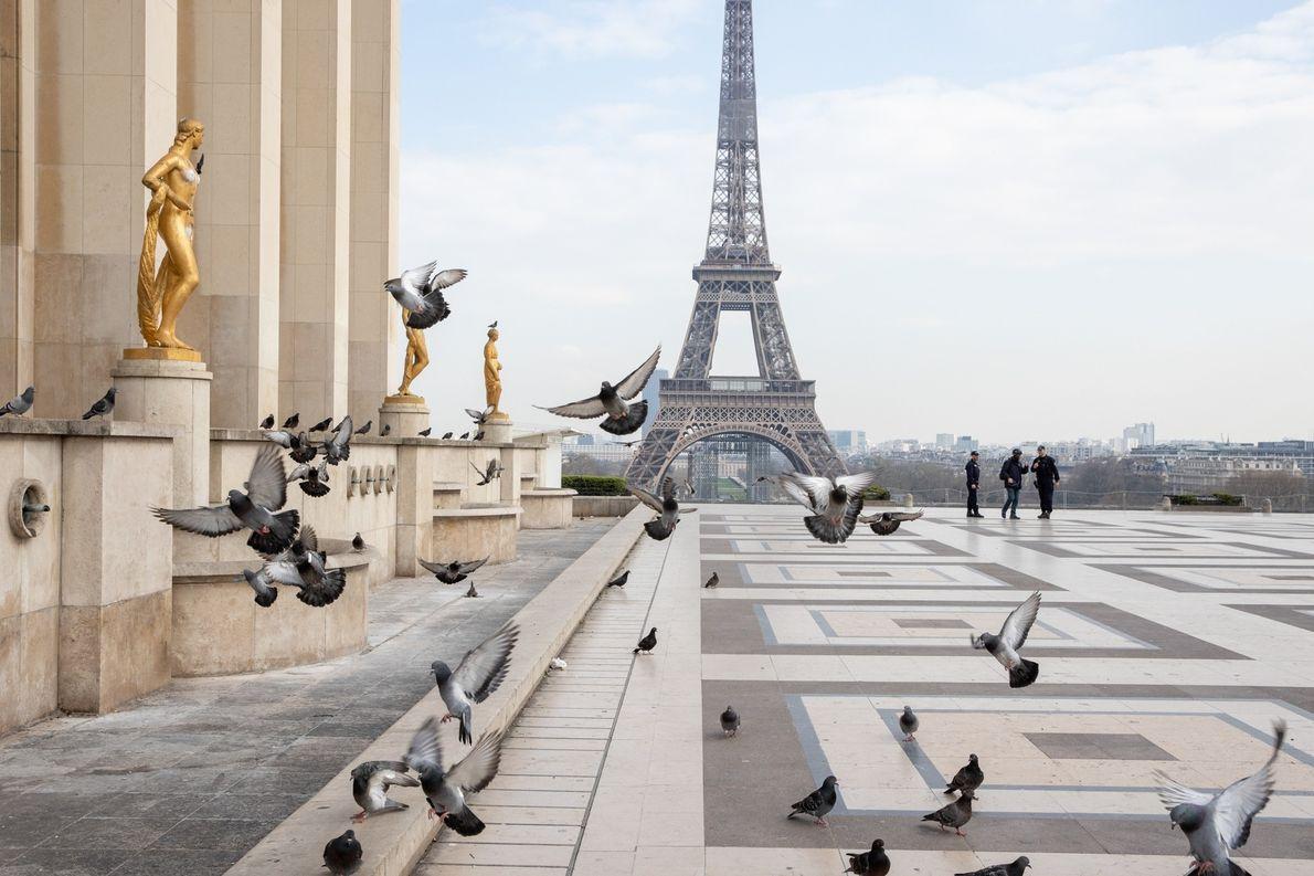Coronavirus : Paris confiné en images