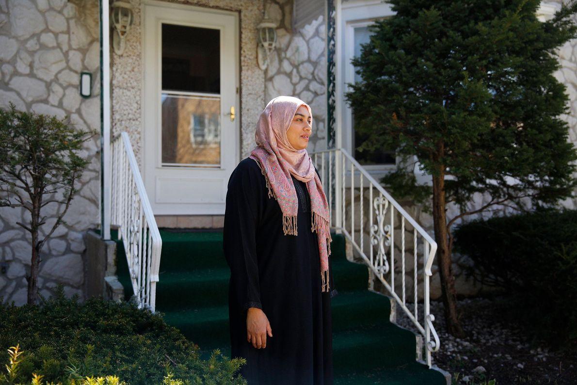 Saadia Shariff est enseignante dans un collège à Chicago. Elle est confinée avec sa famille mais ...