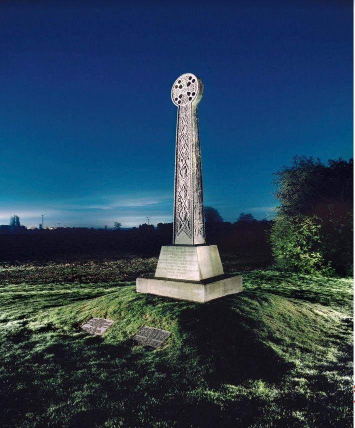 La croix celte (ici, dans le comté anglais du Kent) est un motif de l'art sacré ...