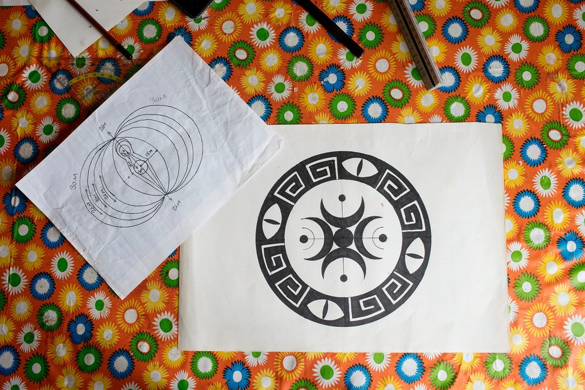 L'artiste Dene Hine dévoile quelques-uns de ses croquis d'agroglyphes.