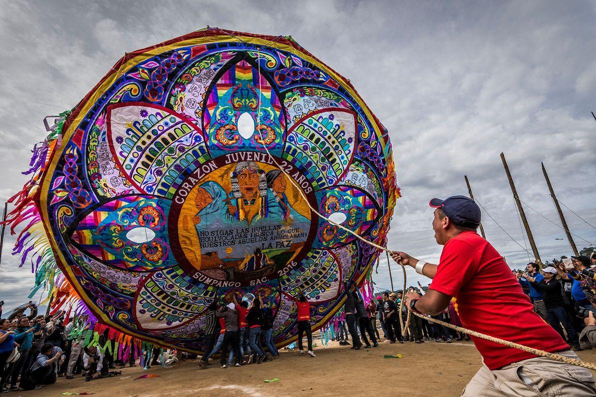 Dans la ville de Sumpango, au Guatemala, les activités du Día de los Muertos incluent un ...