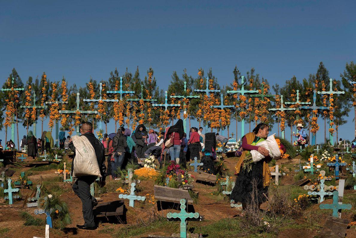 Au Mexique, la quasi-totalité de la population de San Juan Chamula est indigène et son héritage ...