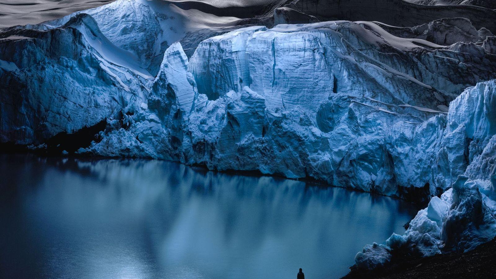 Reuben Wu a créé cette image en utilisant des lumières montées sur des drones pour éclairer ...