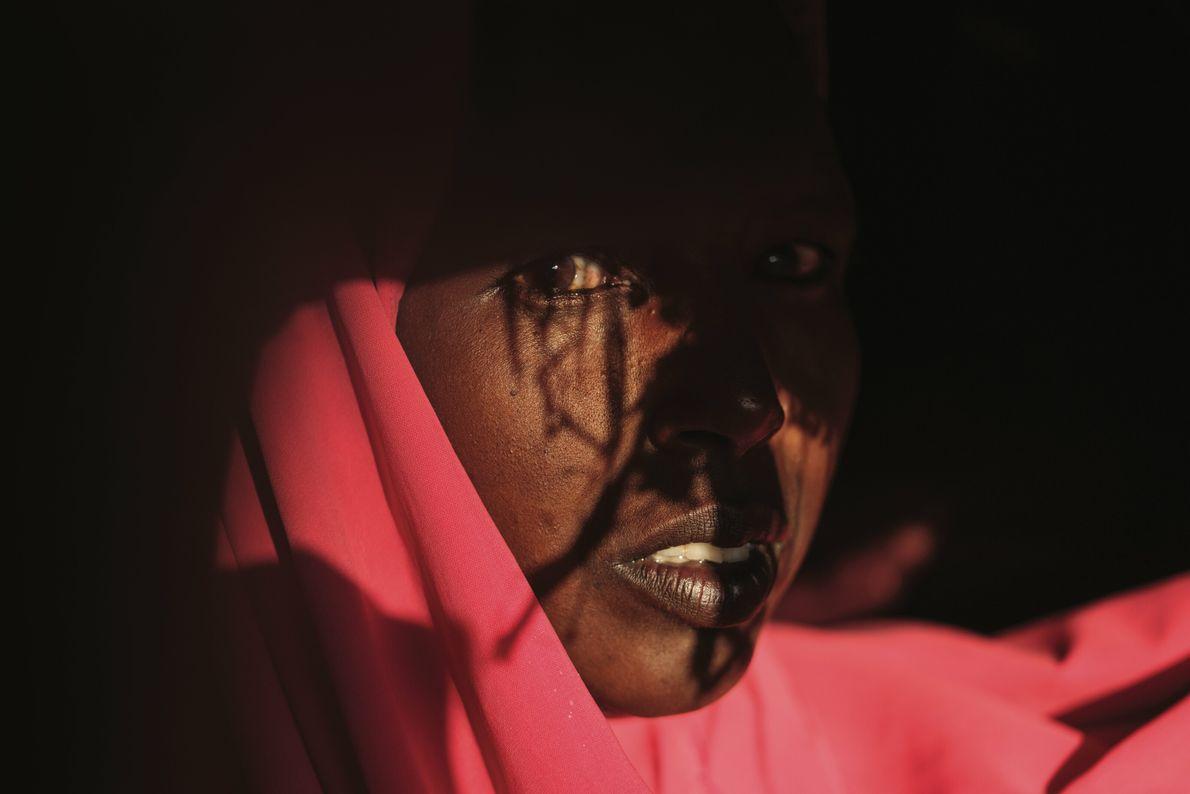 Raxma Xasan Maxamuud, 36 ans, est bloquée depuis trois ans dans un camp de déplacés, à ...