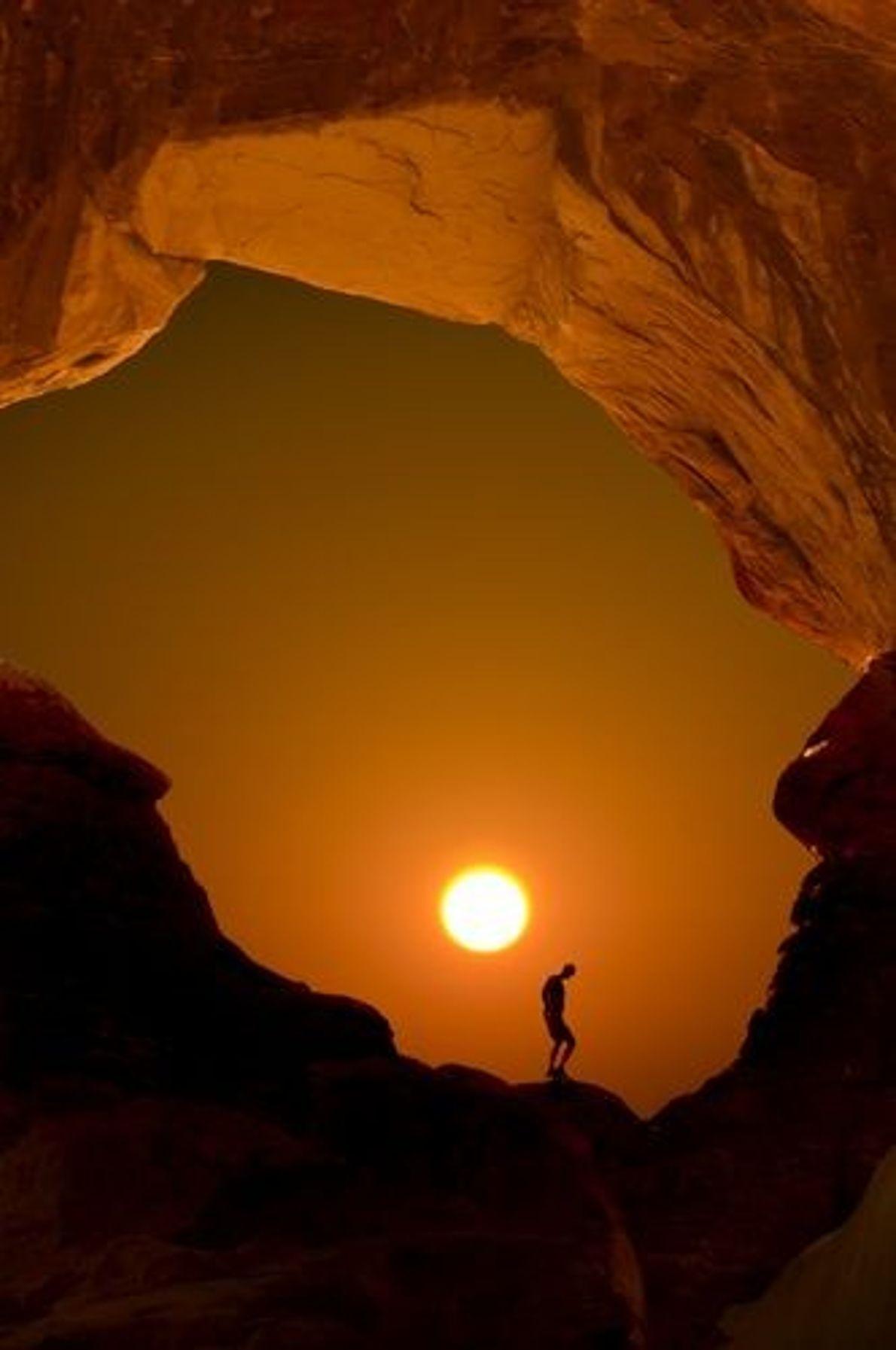 « Ce cliché a été pris sur le vif. Un randonneur est apparu du côté lumineux ...