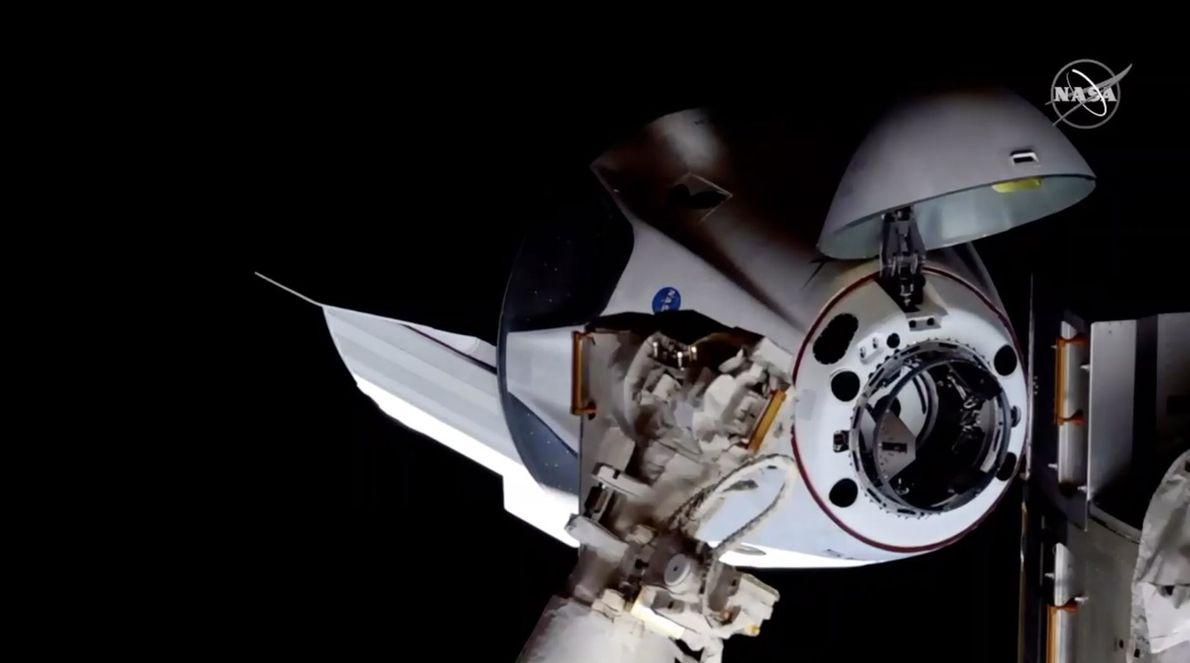 Le 31 mai, Crew Dragon, la capsule de SpaceX, est arrivée sans encombre à sa destination ...