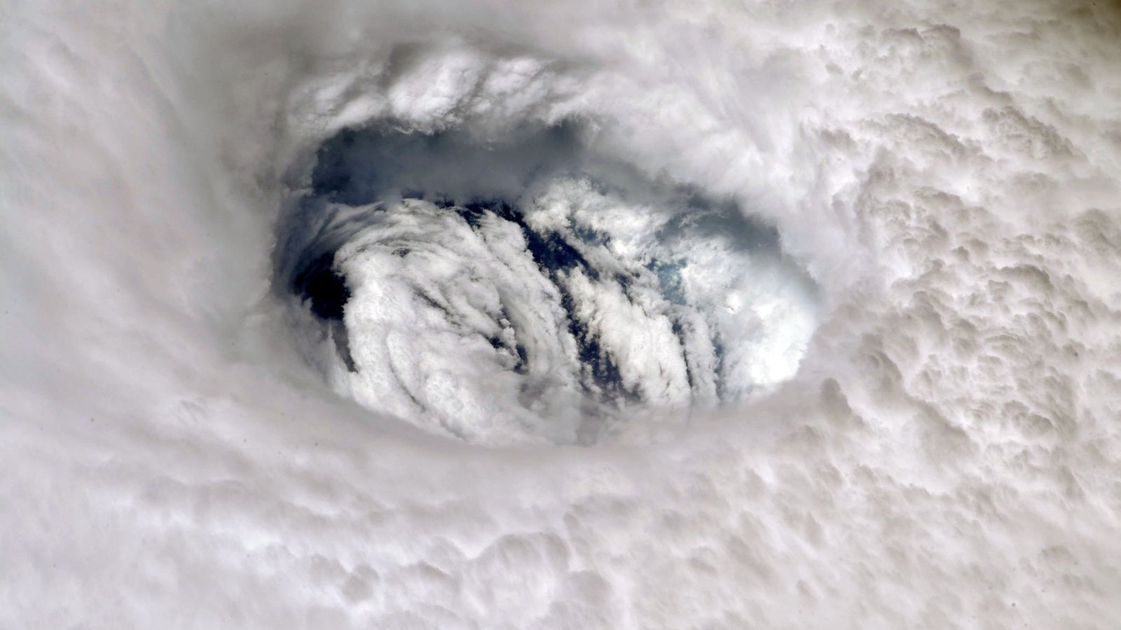 L'œil de la tempête Dorian vu depuis la Station spatiale internationale.