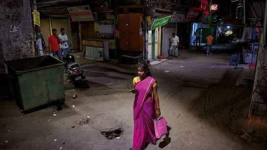 La journaliste Nilanjana Bhowmick travaille sur l'émancipation des femmes et sur des sujets politiques. La photographe ...