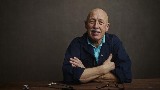 Dr. Jan Pol, photographié durant le tournage de l'émission L'Incroyable Dr Pol.