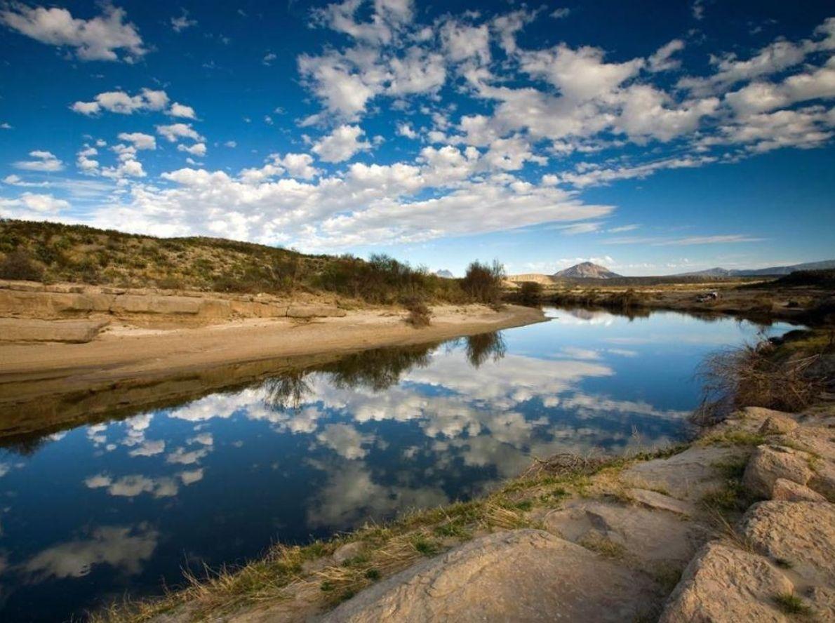 L'un des plus grands fleuves d'Amérique du Nord, le Rio Grande, d'une longueur de 3 033 ...