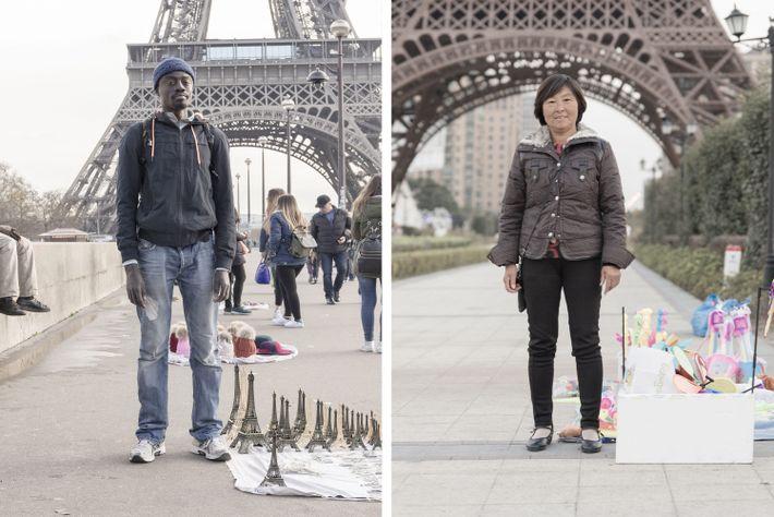 La Tour Eiffet (à gauche) est l'un des lieux les plus iconiques de Paris. La réplique ...