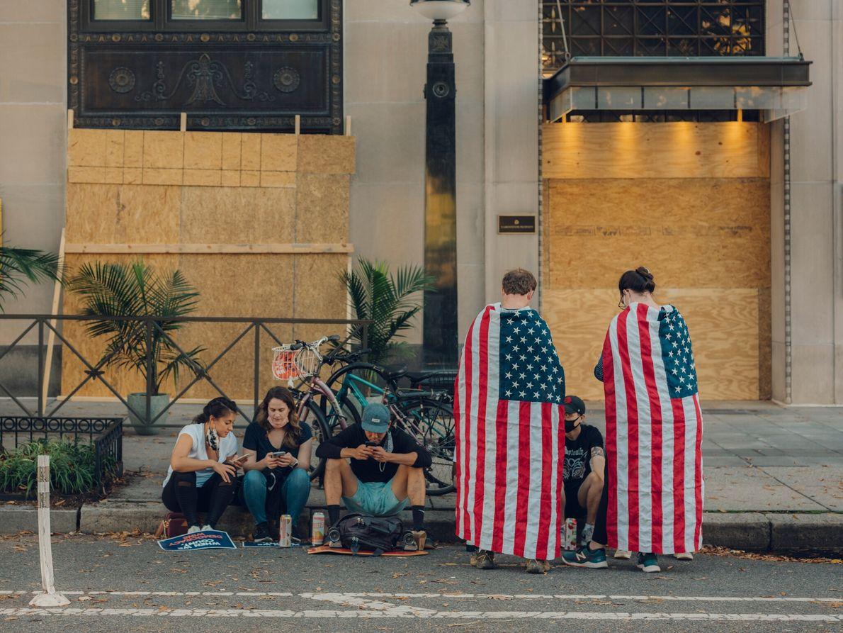 Quatre jours après Election Day, des participants aux festivités de la Black Lives Matter Plaza de ...