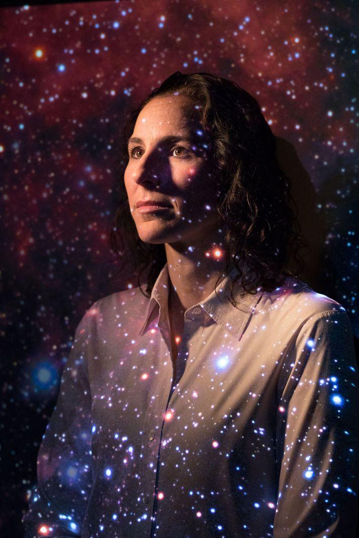 Portrait de l'astrophysicienne Juna Kollmeier.