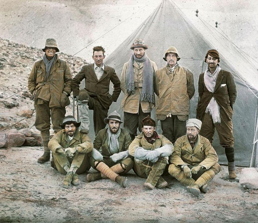 En 1924, George Mallory et ses camarades d'expédition se sont lancés à la conquête du Mont ...