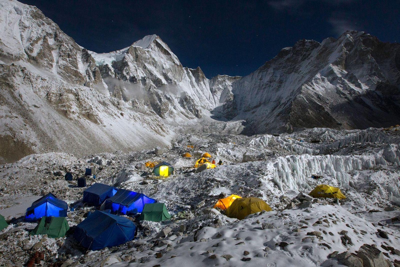 65 ans d'ascension de l'Everest