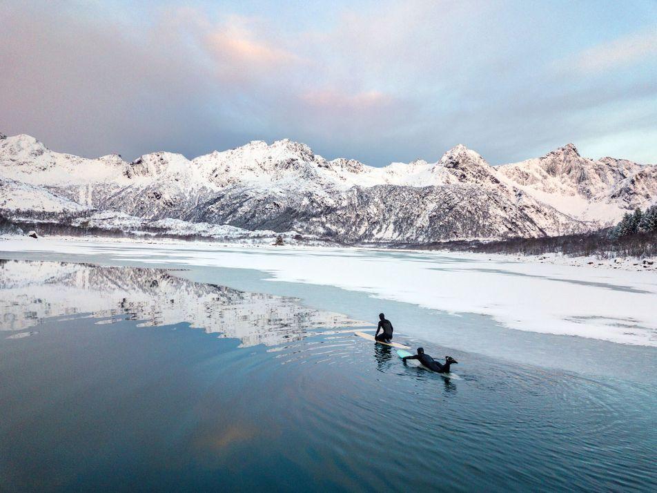 Les îles Lofoten, royaume du surf en hiver