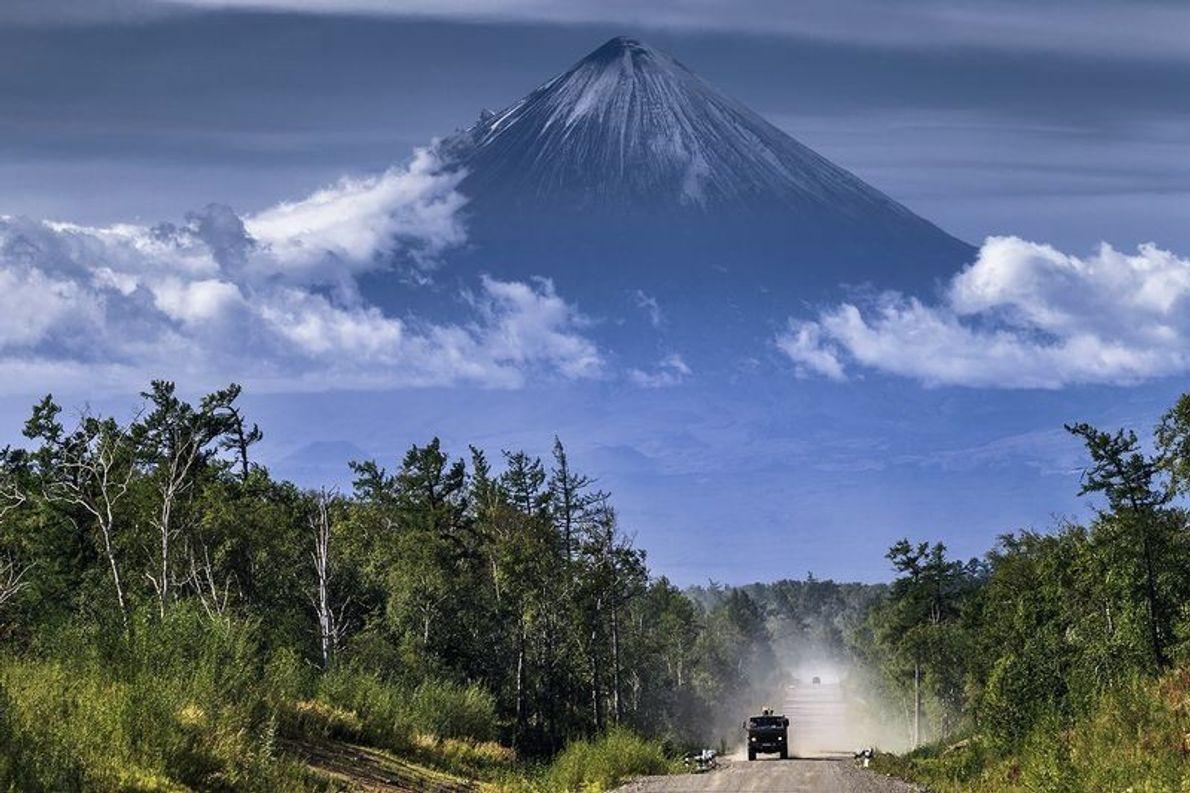 """""""Klioutchevskaïa Sopka est le plus haut volcan de l'hémisphère nord. Le temps était très dégagé lorsque ..."""