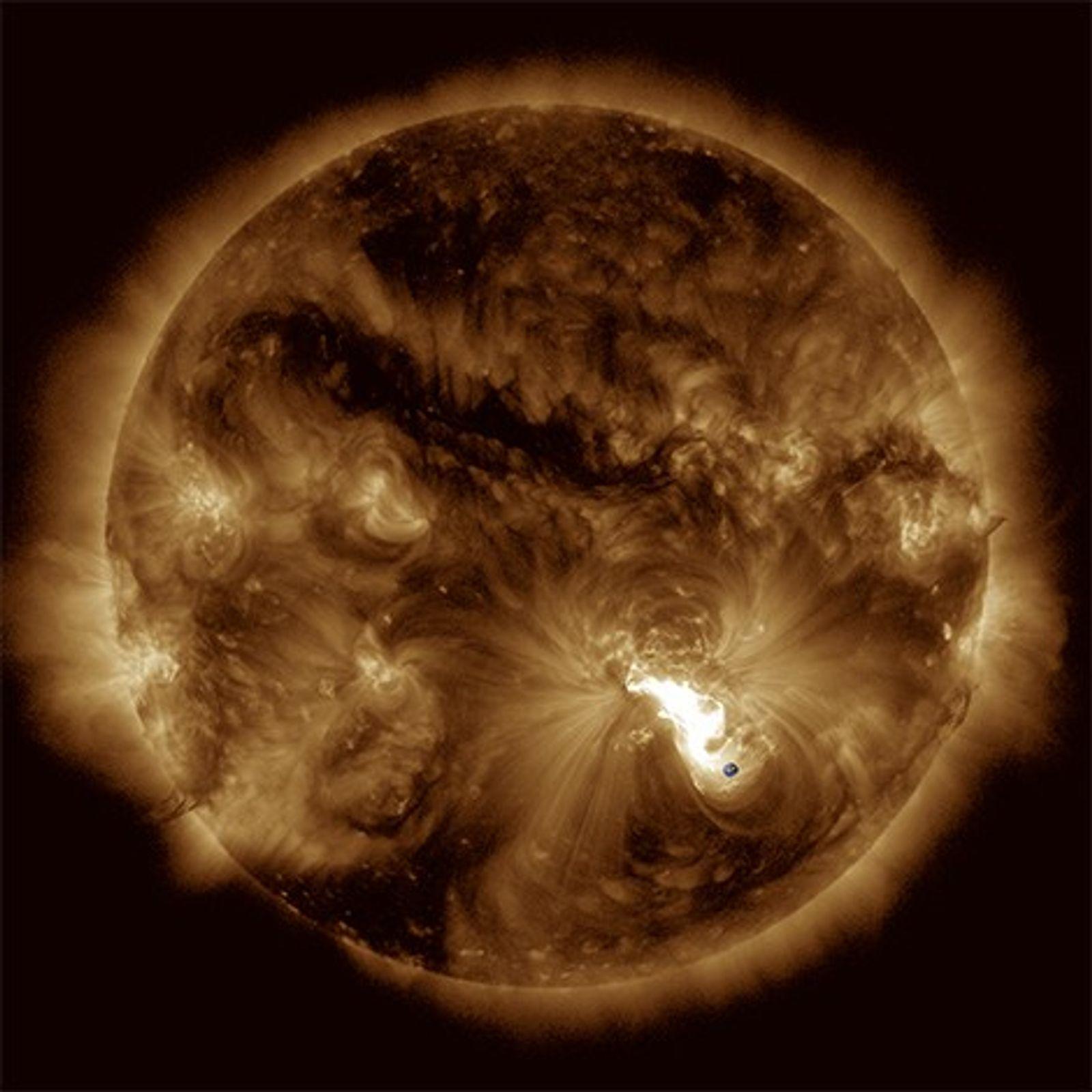 Éruption majeure du 24 octobre 2014 observée par l'instrument AIA de la mission Solar Dynamics Observatory ...