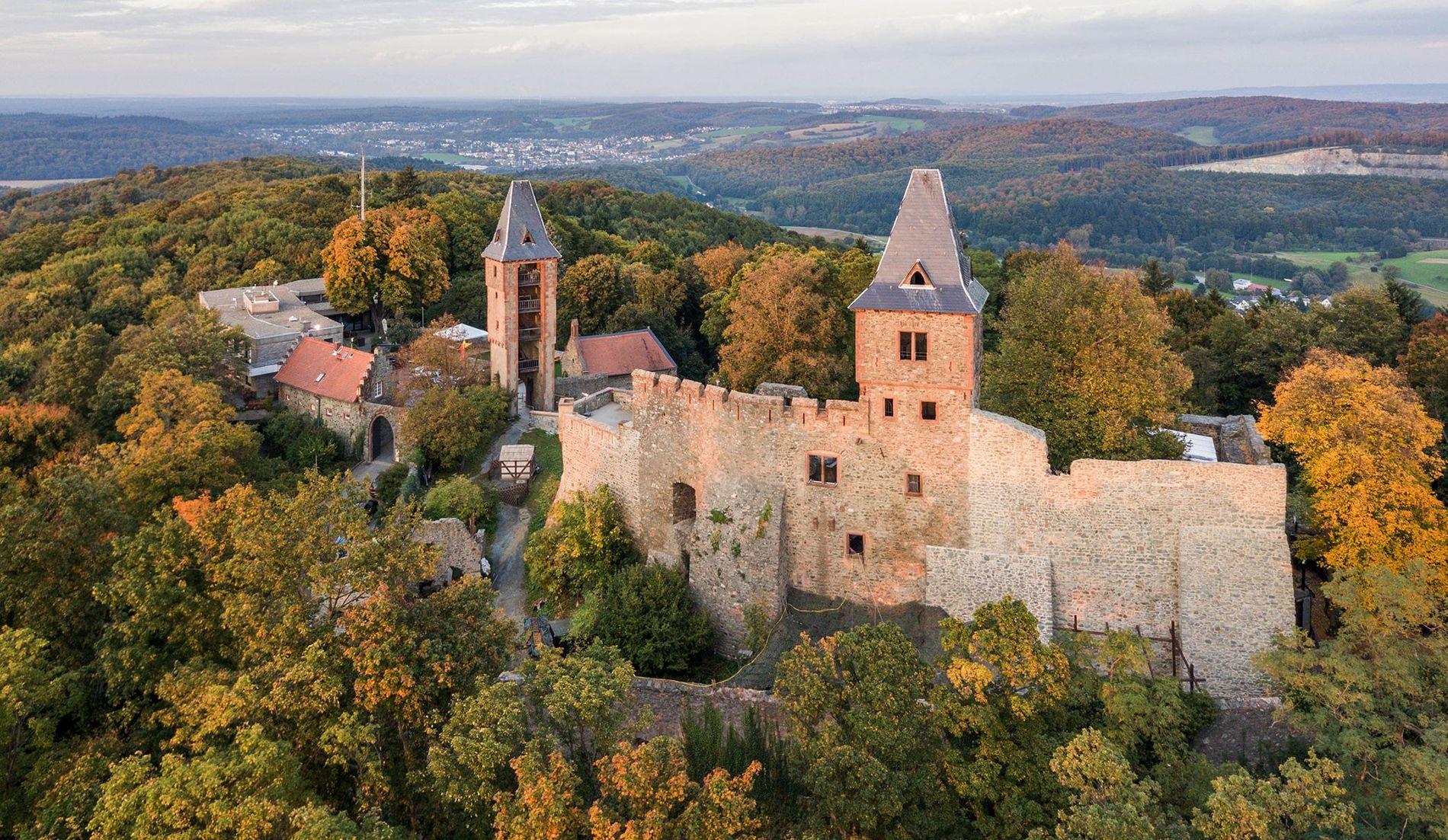 Depuis le 17e siècle, ce château situé dans le sud de la Hesse en Allemagne est ...