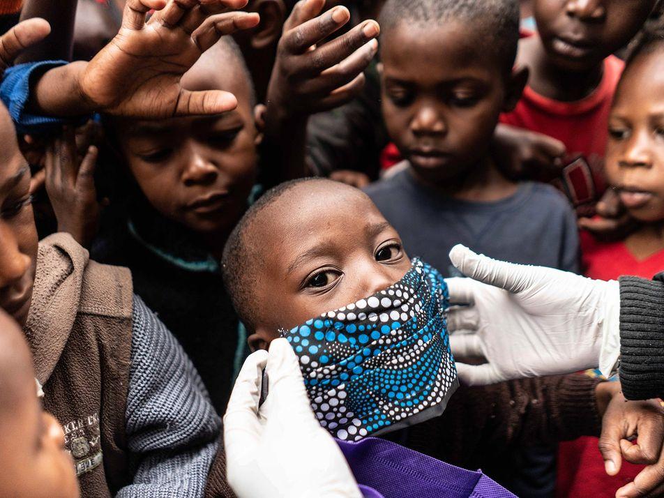 Coronavirus : pour éviter un maximum de morts, la distribution d'un vaccin devra être équitable